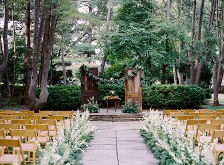 Elegant And Romantic Woodland Wedding Inspiration