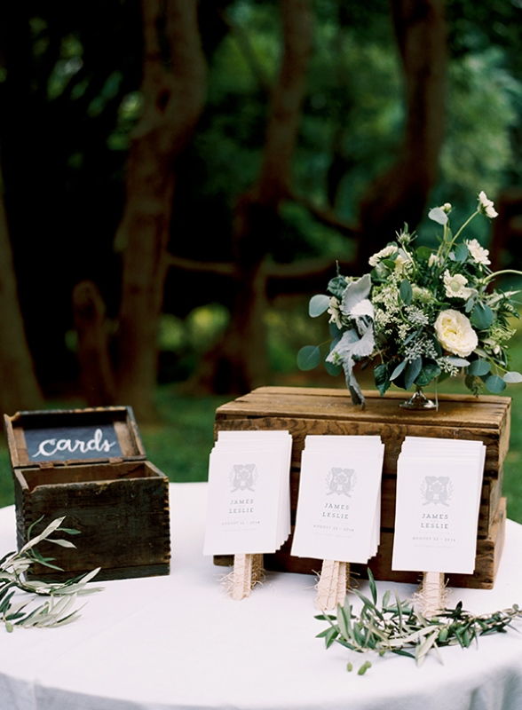Elegant And Romantic Woodland Wedding Inspiration