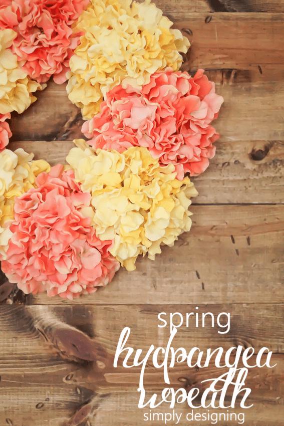 DIY Spring Hydrangea Wreath (via simplydesigning)