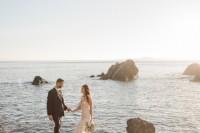 romantic-mermaid-wedding-editorial-at-the-moonlit-coast-10