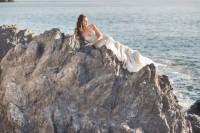 romantic-mermaid-wedding-editorial-at-the-moonlit-coast-4