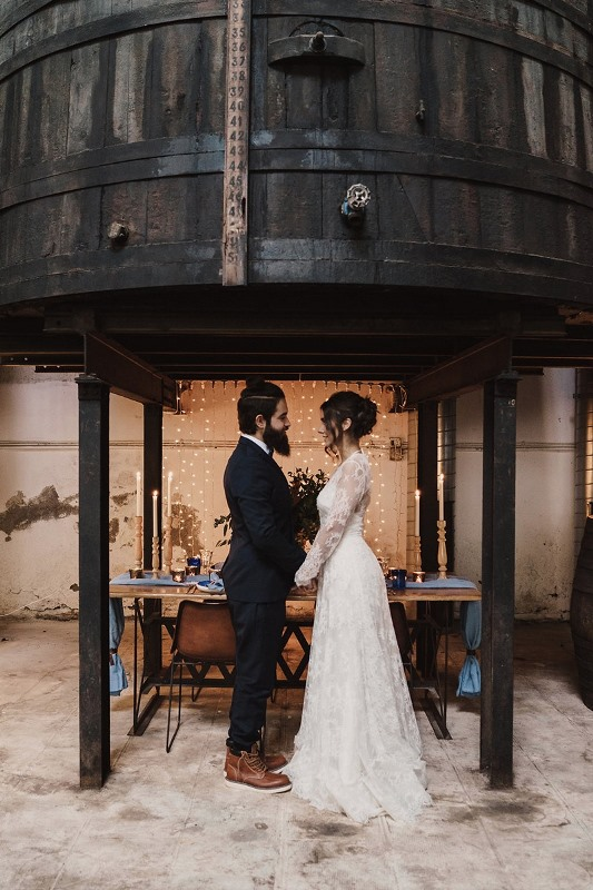 Picture Of stylish industrial and rustic inspired wedding ideas  17