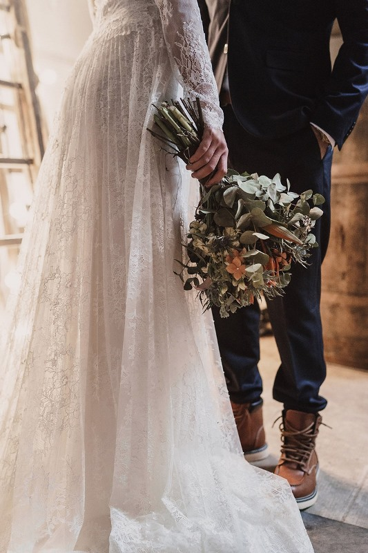 Stylish Industrial And Rustic Inspired Wedding Ideas