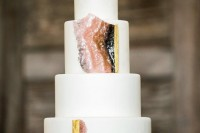 13-glam-and-modern-wedding-cakes-decorated-with-rocks-and-gems-5