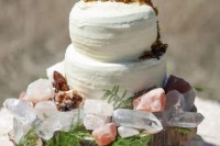 13-glam-and-modern-wedding-cakes-decorated-with-rocks-and-gems-7