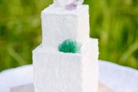 13-glam-and-modern-wedding-cakes-decorated-with-rocks-and-gems-8
