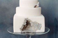 13-glam-and-modern-wedding-cakes-decorated-with-rocks-and-gems-9