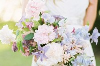 16-charming-serenity-wedding-bouquets-10