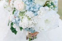 16-charming-serenity-wedding-bouquets-8
