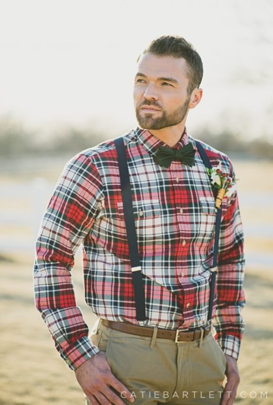 Relaxed Yet Stylish Barn Groom Attire Ideas