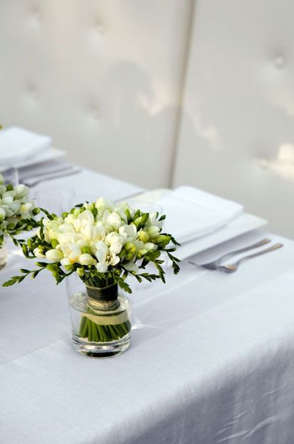 Picture Of Charming Ideas To Incorporate Freesias Into Your Wedding 8