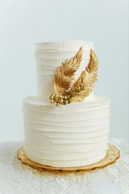 feather wedding cakes 22 wedding cakes with feathers weddingomania 4058