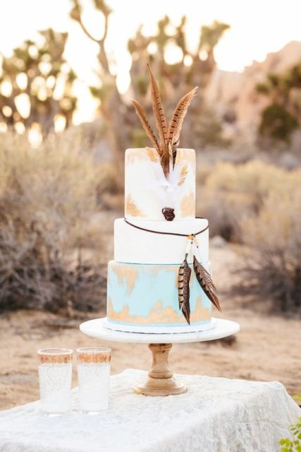 Elegant Wedding Cakes With Feathers