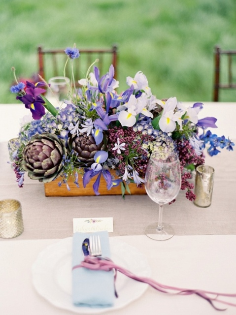 Picture Of Amazing Ideas To Incorporate Irises Into Your Wedding 18