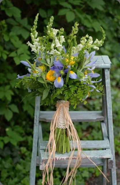 Picture Of Amazing Ideas To Incorporate Irises Into Your Wedding 9