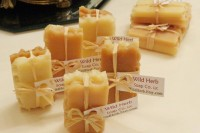 24 Adorable Honey Themed Wedding Ideas 17