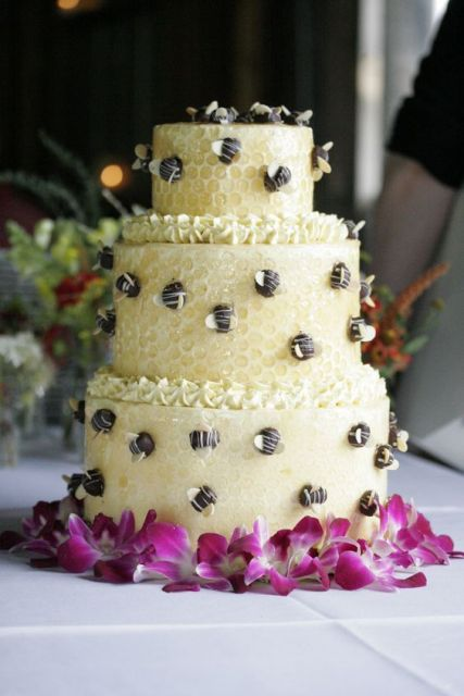 Picture Of Adorable Honey Themed Wedding Ideas 22