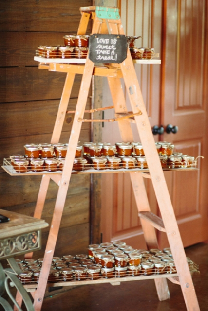 Picture Of Adorable Honey Themed Wedding Ideas 4