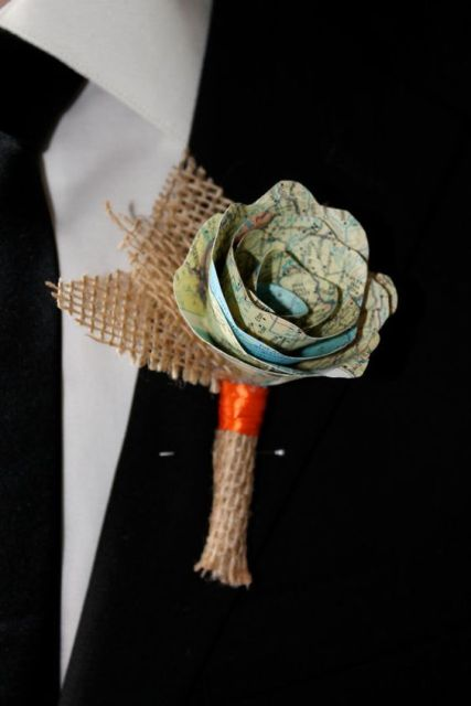 a map flower with burlap is a cool accessory for a groom - rustic, travel-themed and not only