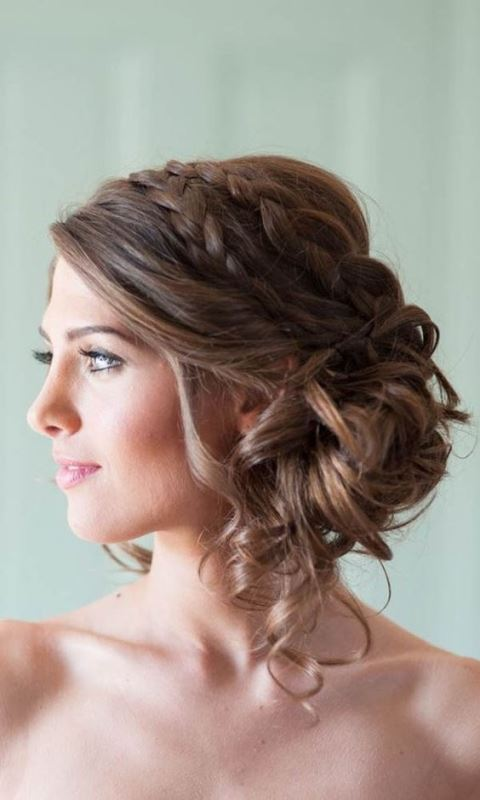 Romantic Medium Wedding Hairstyles To Get Inspired