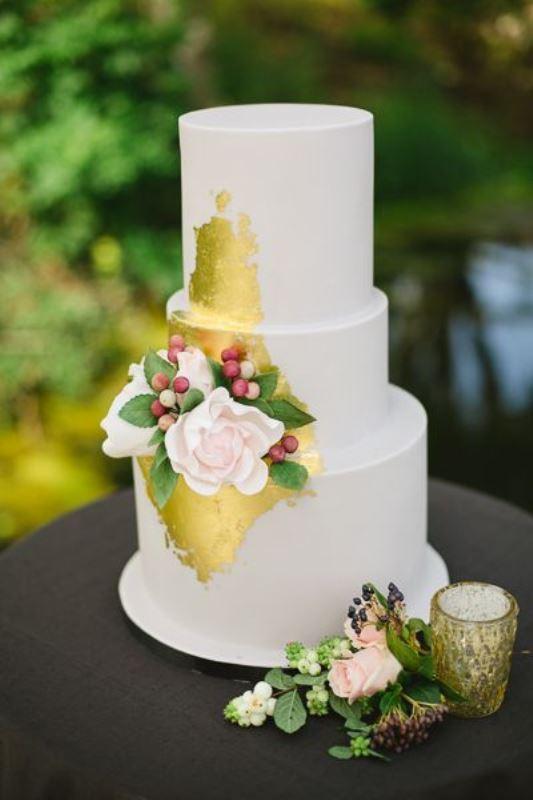 30 glamorous gold leaf wedding cakes