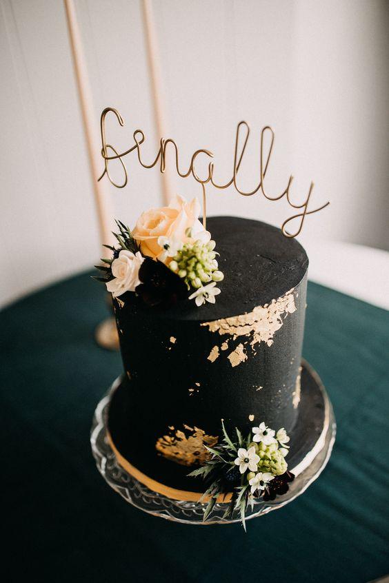 66 Glamorous Gold Leaf Wedding Cakes Weddingomania