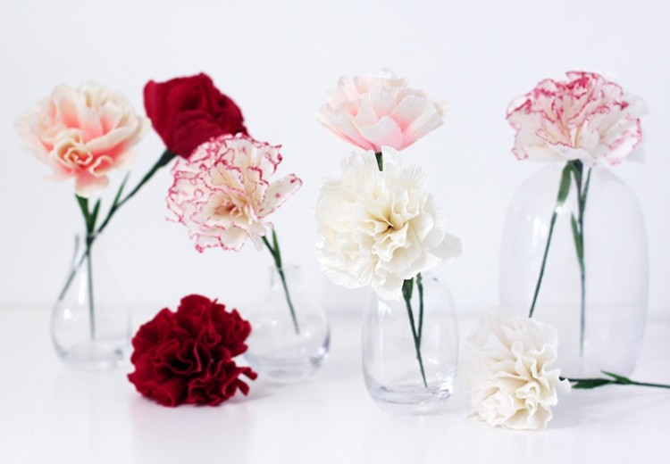 Adorable DIY Paper Carnations For Bridal Shower Decor