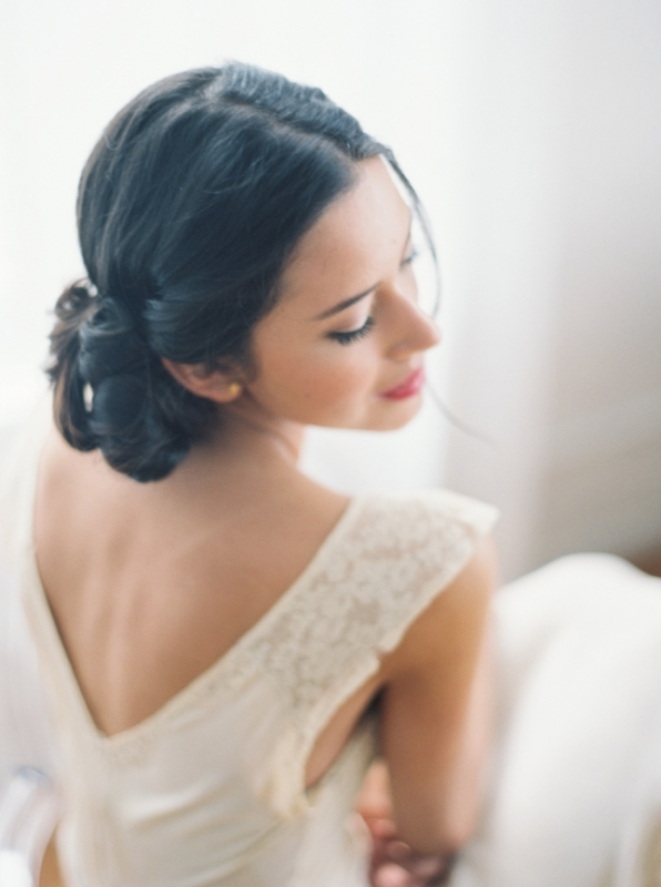 Picture Of alluring vintage inspired bridal boudoir shoot  8