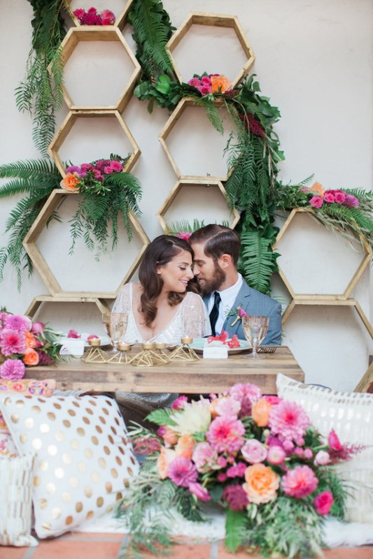 Picture Of bright and cheerful spring wedding elopement  1