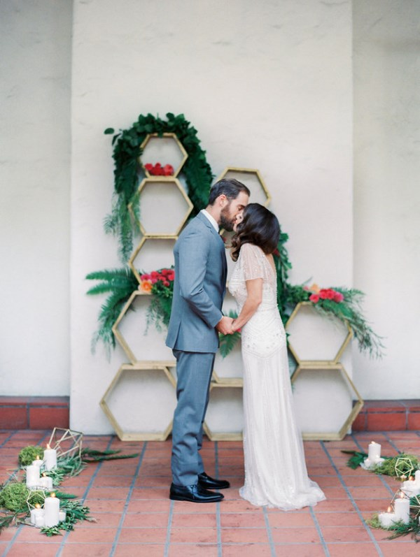 Picture Of bright and cheerful spring wedding elopement  8