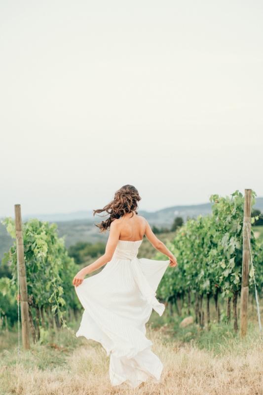 Gorgeous Tuscan Hills Engagement Shoot