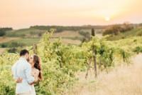 gorgeous-tuscan-hills-engagement-shoot-18