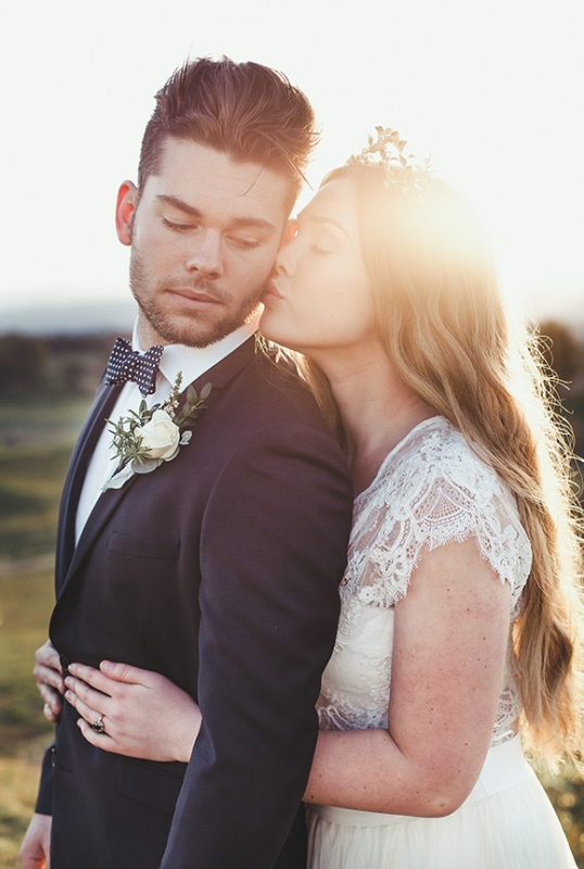 Intimate And Romantic Vineyard Wedding Shoot