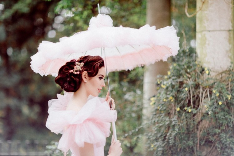 """Timeless """"My Fair Lady"""" Inspired Bridal Shoot With Fabulous Pink Gowns"""