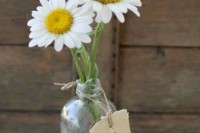 21 Romantic Ideas To Incorporate Chamomile Daisies Into Your Wedding 11