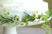 21 Romantic Ideas To Incorporate Chamomile Daisies Into Your Wedding 14
