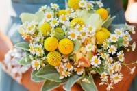21 Romantic Ideas To Incorporate Chamomile Daisies Into Your Wedding 19