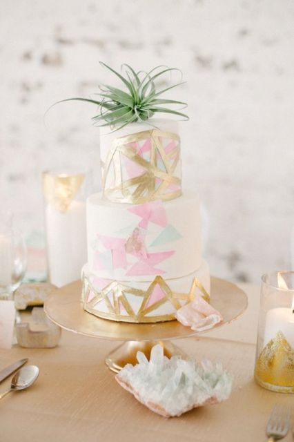 Picture Of Original Ideas To Incorporate Airplants Into Your Wedding 3