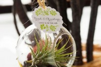 22 Original Ideas To Incorporate Airplants Into Your Wedding 5