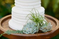 22 Original Ideas To Incorporate Airplants Into Your Wedding 6