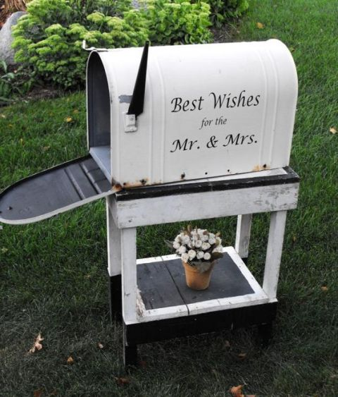 Charming Mailbox Wedding Décor Ideas