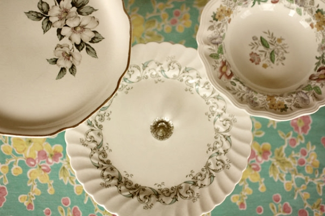 Vintage DIY Cake Stands For Your Wedding Table