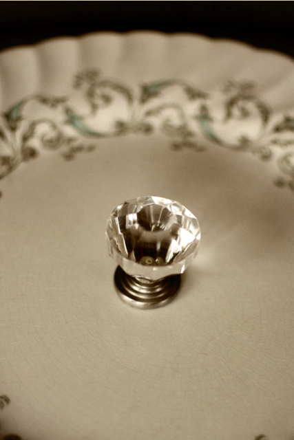 Picture Of Vintage DIY Cake Stands For Your Wedding Table 6