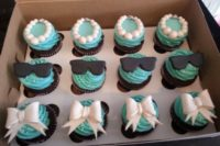 breakfast at Tiffany's inspired cupcakes done in black, white and tiffany blue