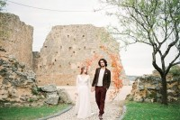 creative-and-romantic-berry-toned-wedding-inspiration-21