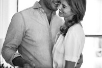 naturally-beautiful-and-intimate-engagement-photos-at-home-7
