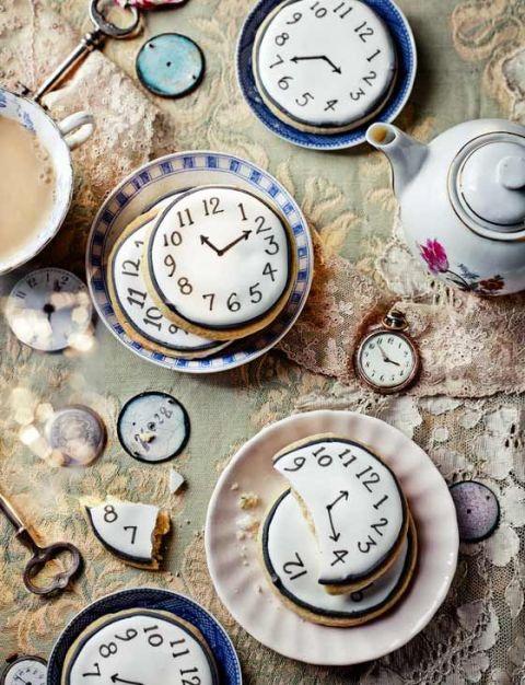 Alice in Wonderland bridal shower cookies