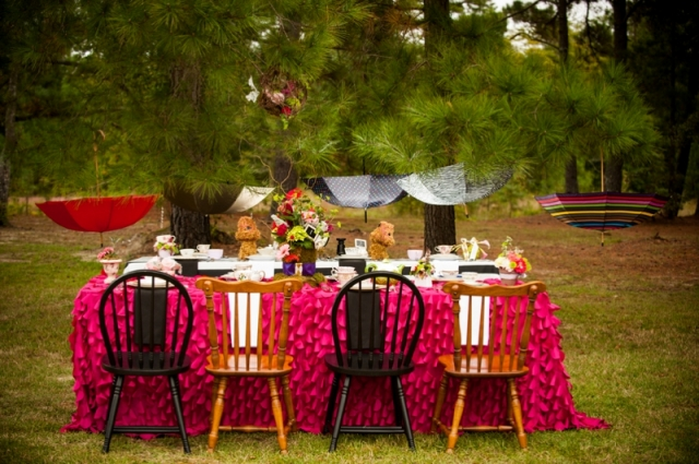 Alice in Wonderland bridal shower table decor