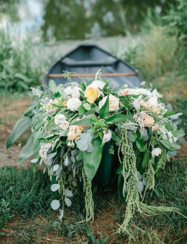Flower Canoe Wedding Decoration