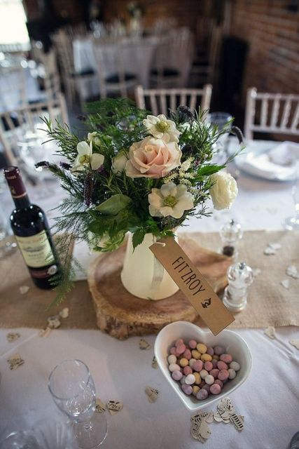 Modern And Vintage Wedding Decorations With Jugs - 21 ...